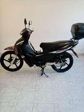 Vendo moto kymco uni k 110, único dueño,a una ganga de 2,300.000
