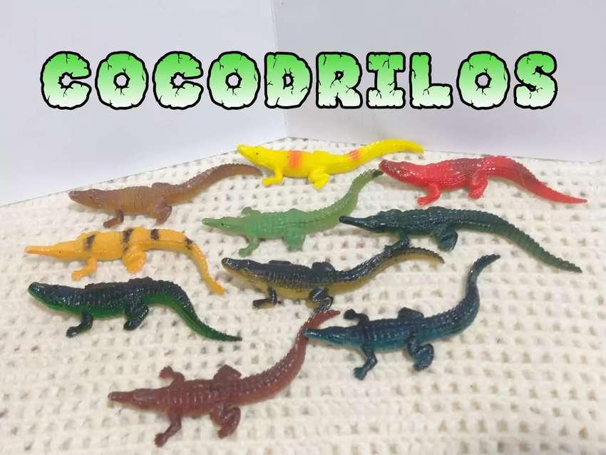 Colección de 10 Cocodrilos 0