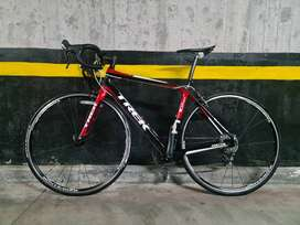 Vendo Bicicleta Cicla Ruta Carreras Trek Madone 3.5 Carbono H2 OCLV Única con Tarjeta Original
