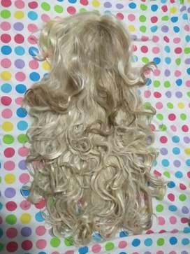 Vendo peluca rubia