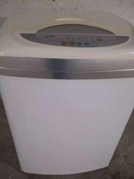 Remato lavadora LG de 18 libras