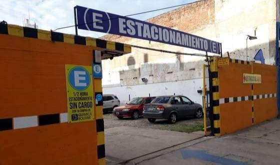 ALQUILER COCHERAS MENSUALES  Zona Clínica Pueyrredón 0