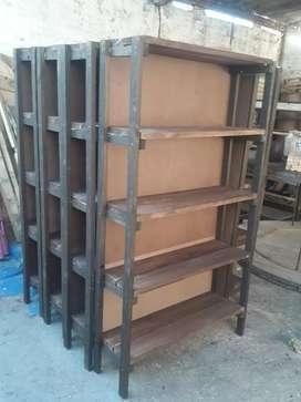 Estanterias y muebles rusticos