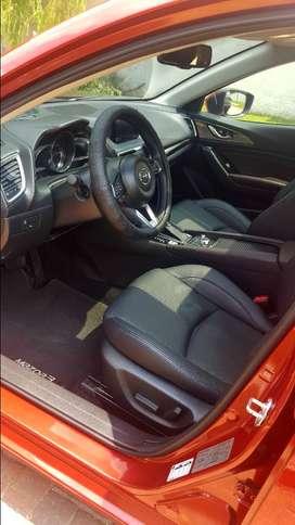 Mazda 3 con poco uso, como nuevo, un carro cuidado para usted, accesorios adicionales y precio negociable.