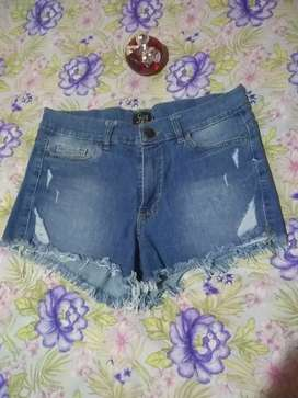 Vendo pollera licra talle unico  short jeans talle 40