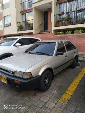 Mazda 323 en excelente estado