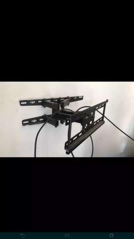 Se venden bases movibles para televisores