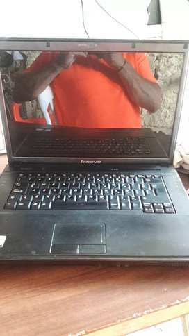 Se vend3 portatil Lenovo de pantalla de 13 pulgads