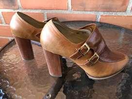 Botas de cuero color miel talla 38