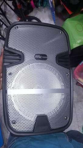 Vendo cabinas parlantes de 6 de 8 pulgadas nuevas