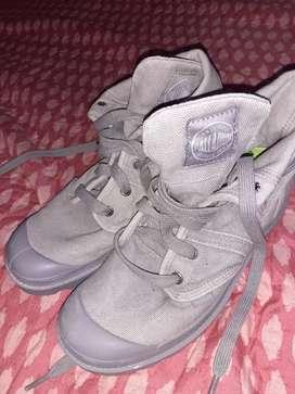Vendo botas nuevas de niño