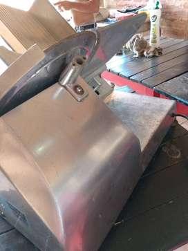 Cortadora de fiambres 330 acero inoxidable grueso, funcionando. $ 18.000