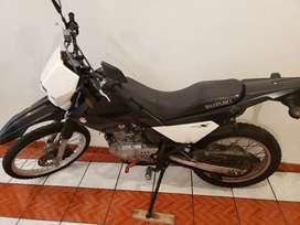 Moto Suzuki drx 200