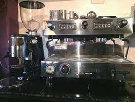 Maquina de café profesional y Molino Automático ITALIANOS