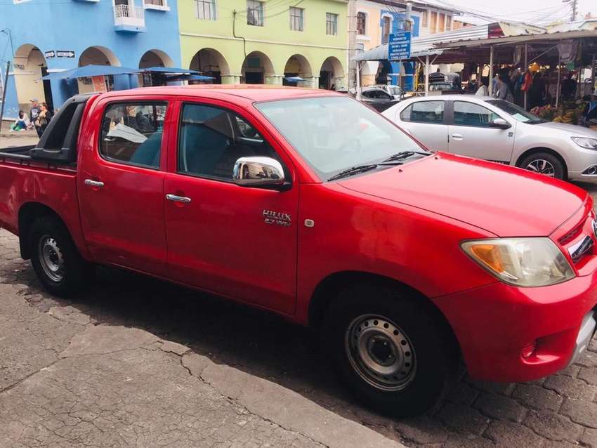 Camioneta Toyota Roja  2008 0