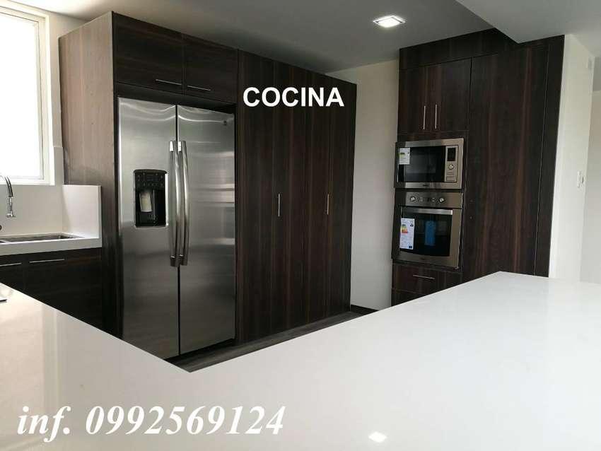 Departamento con Patio grande en Cumbayá-La Primavera, 3 habitaciones, 2 parqueaderos, 1 bodega. Entrega inmediata 0