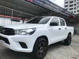 TOYOTA HILUX 2017 85 MIL KM 4X4 IMPECABLE