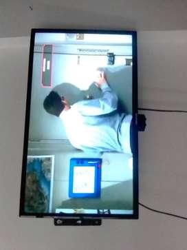 Tv Challenger de 32 Pulgadas Led Tdt + Base