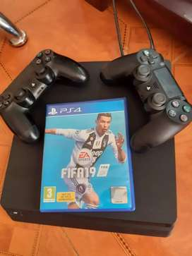PS4 Slim exelentes condiciones 10/10