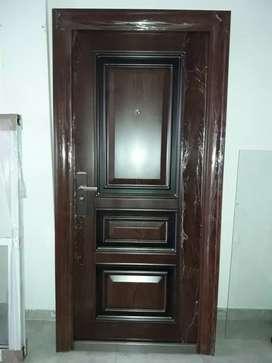 Puerta reforzada