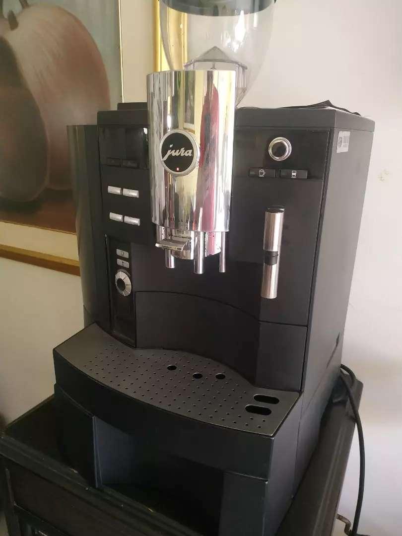 Maquina de café jura impressa da 90 one touch.
