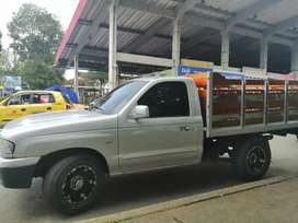 Camioneta Estacas Mazda b2200