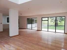 Casa Amplia en Arriendo, muy Amplia con Área Verde
