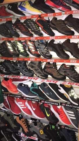 Toda variedad de zapatos