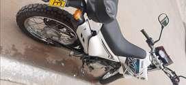 Moto Yamaha XTZ 125 color blanco 2018
