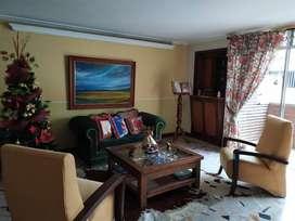 Amplio Apartamento en El Centro de Medellín, 5 habitaciones, 3 baños, cocina integral, balcón.