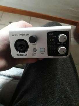 Placa de Audio Midi Plus Y Microfono