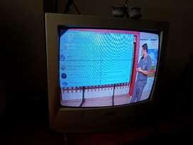 Se vende televisor marca sharp