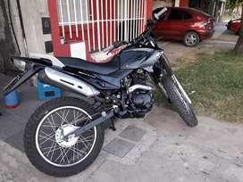 Skua 200cc año 2012