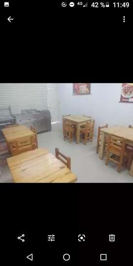 4 juegos de mesas con sus sillas casi nuevo
