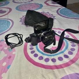 Camara mirrorless Sony A5000