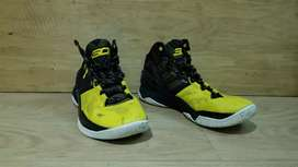 Vendo curry talla 9.5