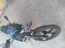 Vendo moto con poco uaso