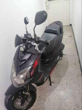 Vendo moto poco uso