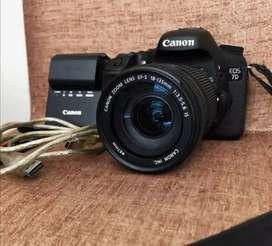 Vendo cámara profesional Canon EOS 7D
