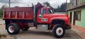 Se vende o permuta por Turbo o camión de estacas