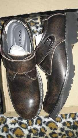 Zapatos de cuero de vacuno número 43