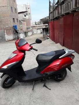 Vendo moto scooter honda