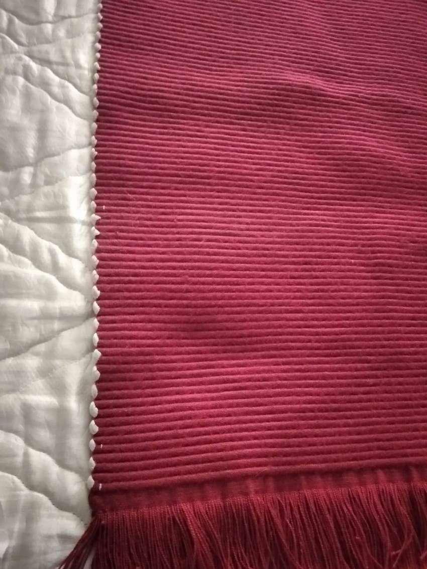 Hermoso tapete rojo