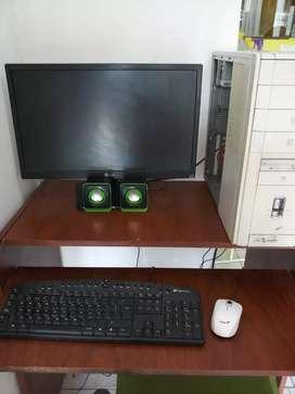 Vendo Pc con monitor
