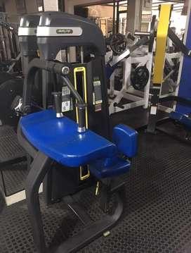Maquina gym de triceps