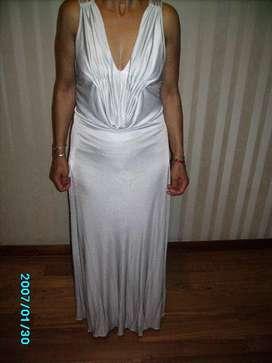 Hermoso y elegante vestido de fiesta largo marca TUCCI.