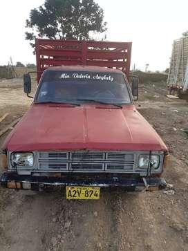 Datsun gasolineros en buen estado a 9000 soles, precio negociable.