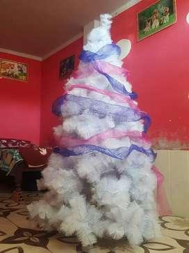 Vendo y remató  árbol de navidad a