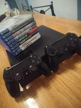 Play station 4 500gb + 2 joystick originales +  9 juegos