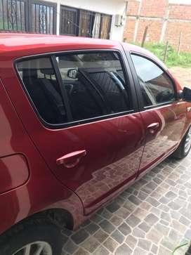 Renault Sandero Rojo 2014 precio negociable